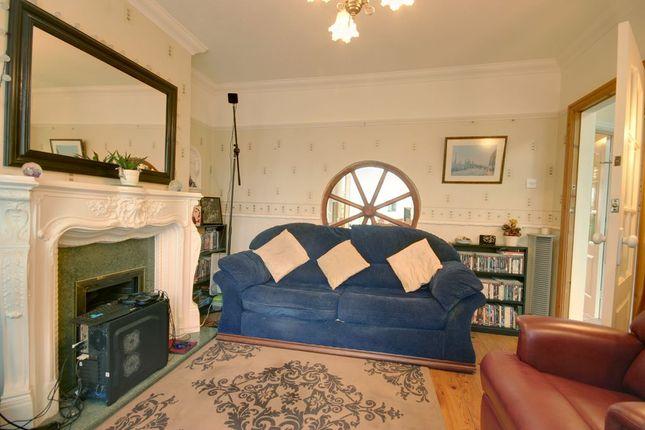 Lounge of Fairfax Avenue, Hull HU5
