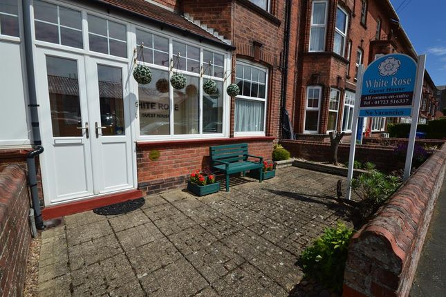 Thumbnail Terraced house for sale in Southdene, Filey