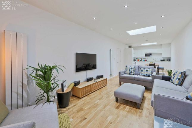 Thumbnail Flat to rent in Woolwich Magistrates Apartment, 1 Bathway, Woolwich