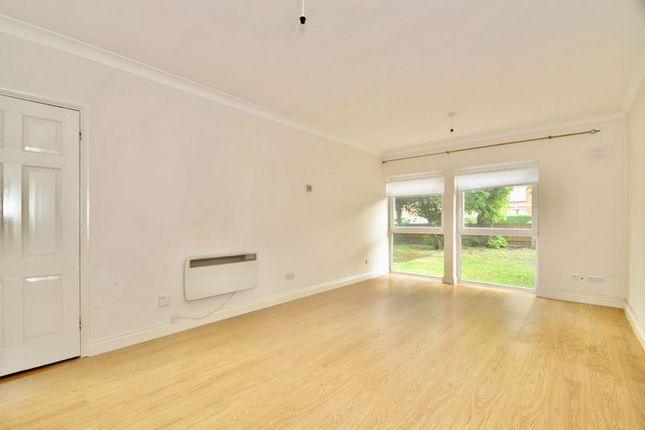 Thumbnail Flat to rent in Morden Road, London