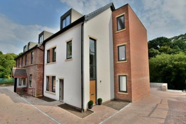 Thumbnail Flat for sale in Buxton Road West, Disley, Stockport, Cheshire