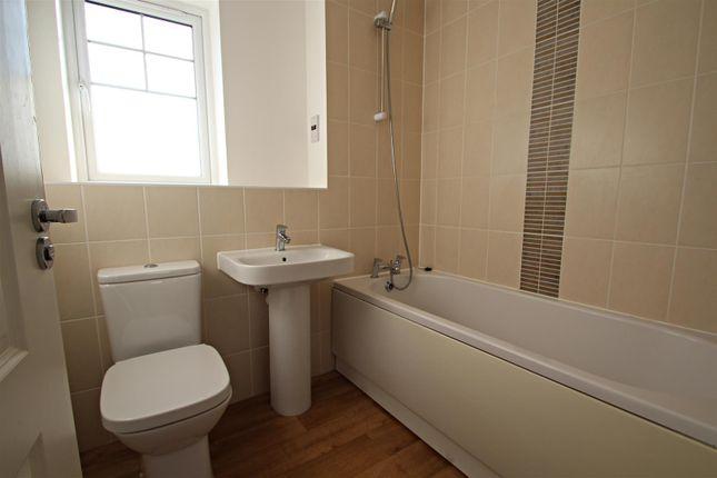 Bathroom (2) of Farah Close, Bognor Regis PO21