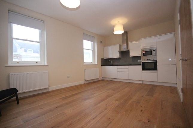 Thumbnail Flat to rent in Citadel Road, Plymouth, Devon