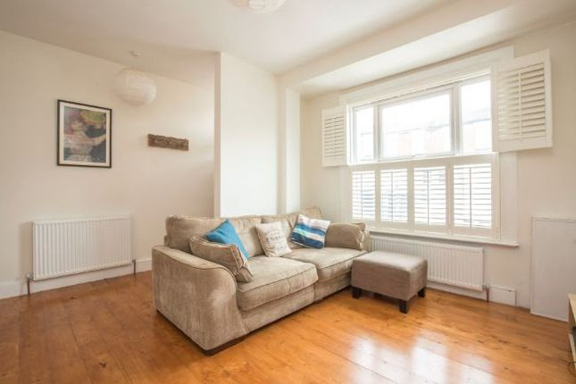 Thumbnail Terraced house to rent in Long Lane, Finchley