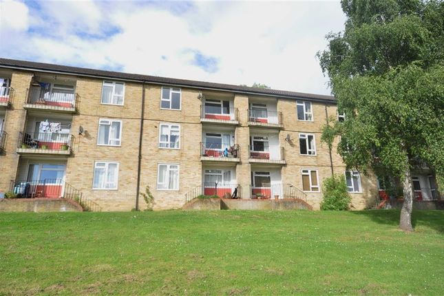 Thumbnail Flat for sale in Mathews Way, Paganhill, Stroud