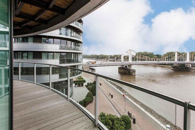 Thumbnail Flat For In Howard Building Chelsea Bridge Wharf London