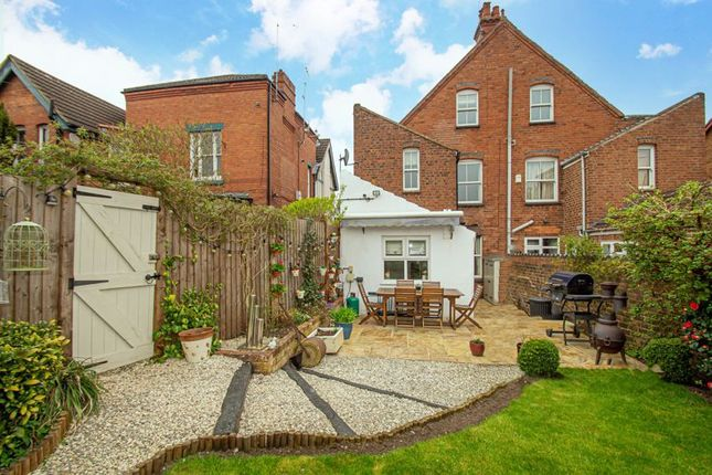 4 bed property for sale in Wood Street, Wollaston, Stourbridge DY8