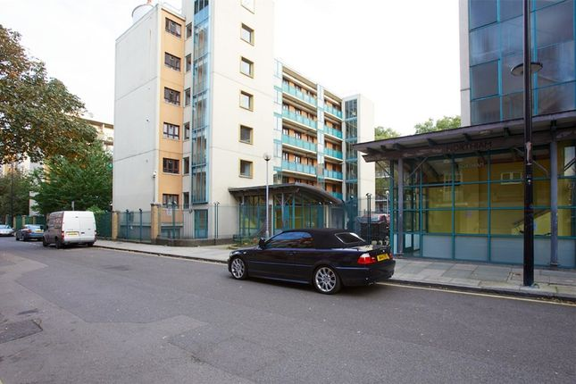 Thumbnail Flat to rent in Cromer Street, London