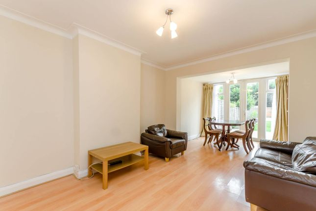 Thumbnail Property to rent in Queen Mary Avenue, Morden