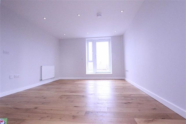 Thumbnail Flat to rent in Broadway House, Wickford, Essex