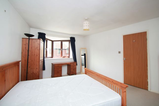 Thumbnail Terraced house to rent in Reveley Square, Surrey Quays, London