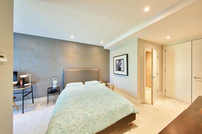 Bed 1 of Knaresborough Drive, London SW18