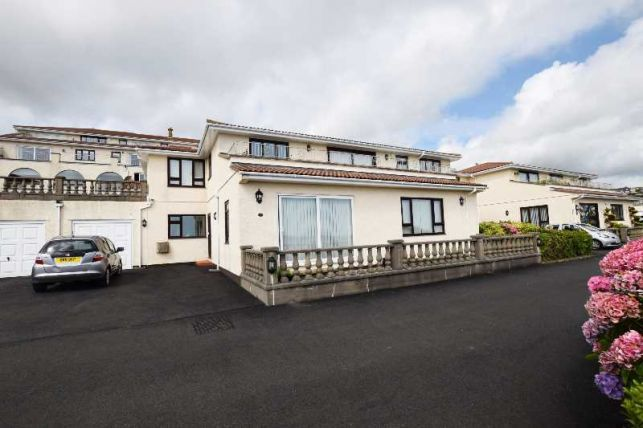 Thumbnail Flat for sale in King Edward Bay Apartments, Sea Cliff Road, Onchan