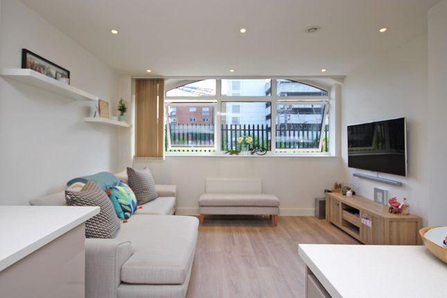 Thumbnail Flat to rent in 36 Ridgmont Road, St Albans