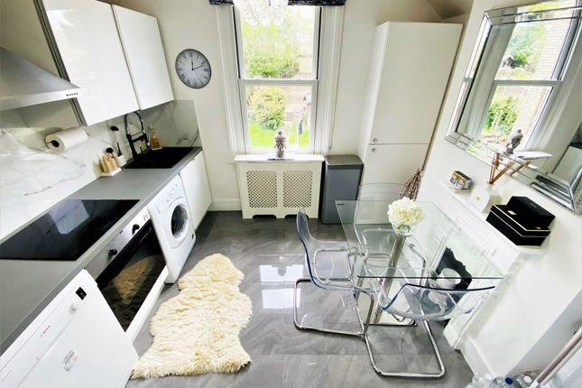 1 bed flat for sale in Crescent Road, New Barnet EN4