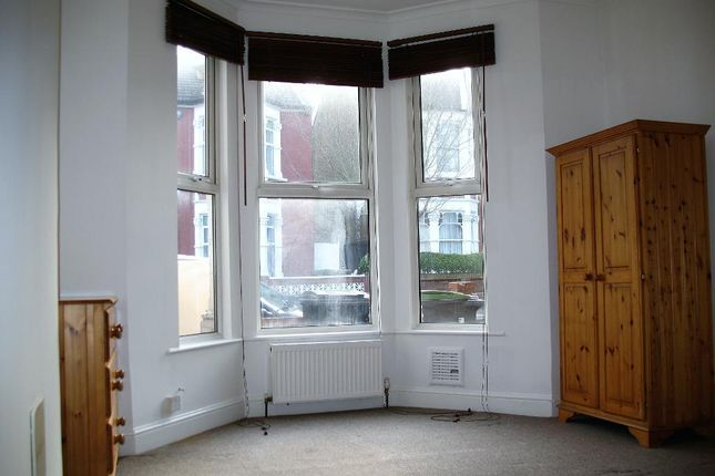 Studio to rent in Lausanne Road, Haringey, London N8