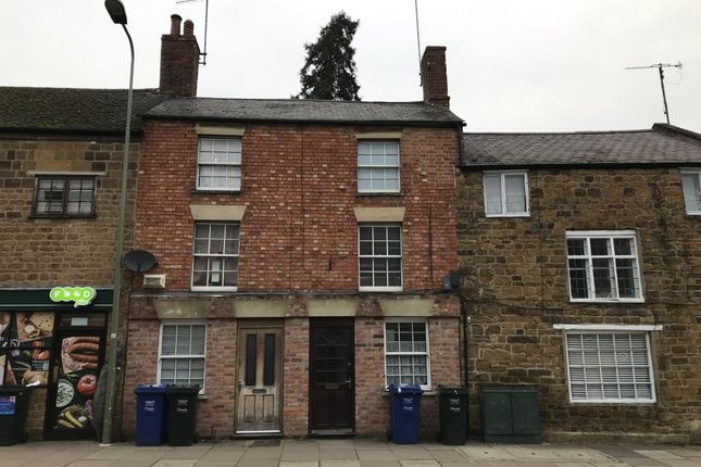 Flat to rent in West Bar Street, Banbury