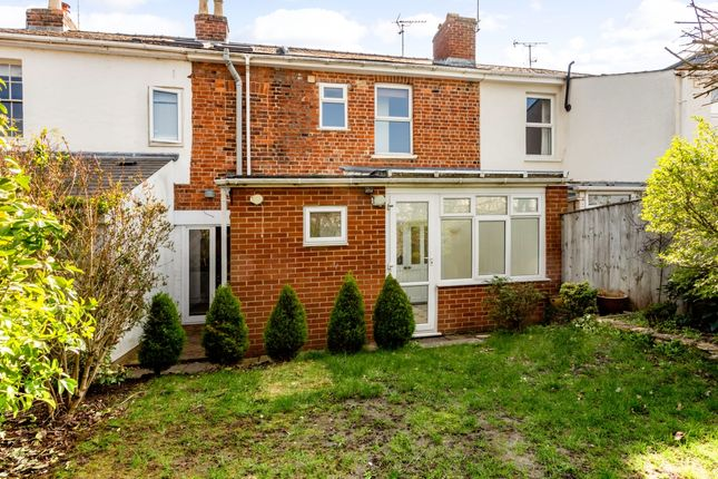 Thumbnail Cottage to rent in Hambrook Street, Charlton Kings, Cheltenham