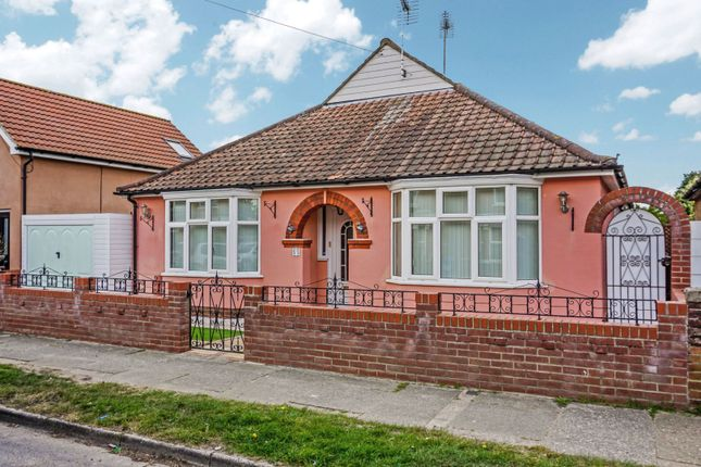 3 bed detached bungalow for sale in King Edward Road, Ipswich IP3
