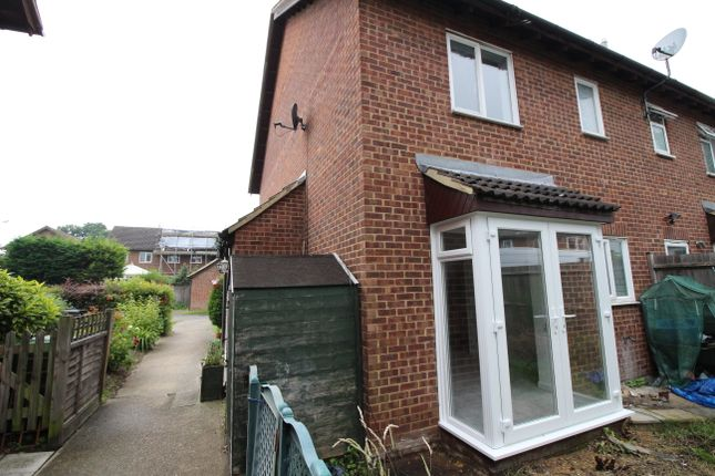 1 bed terraced house to rent in Wolsey Close, Worcester Park KT4