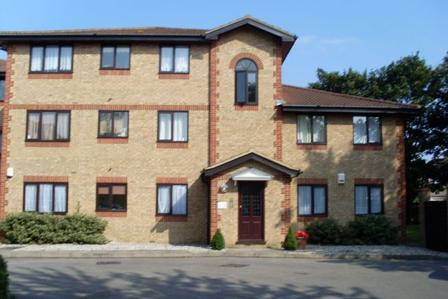 Thumbnail Flat to rent in Hutchins Close, Hornchurch