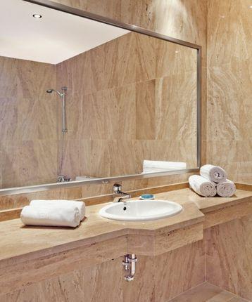 Dlp-A2315-Ssc_9_Bathroom