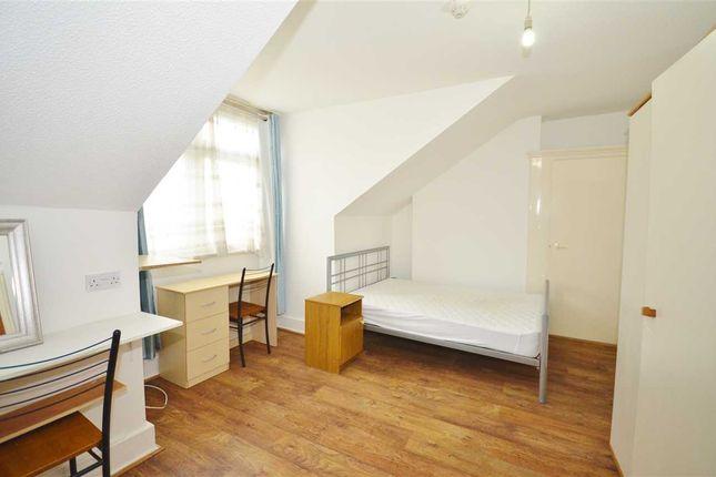 Room to rent in Friern Barnet Road, London