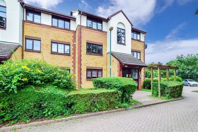 Flat for sale in Foxglove Way, Wallington, Surrey