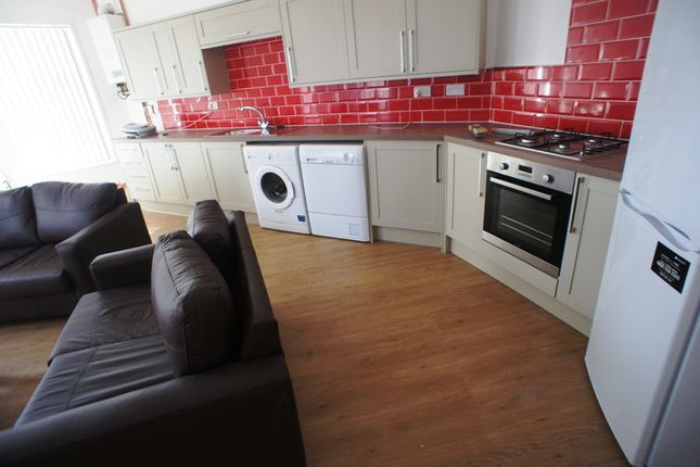 Thumbnail Flat to rent in Alfred Street, Roath, Cardiff.