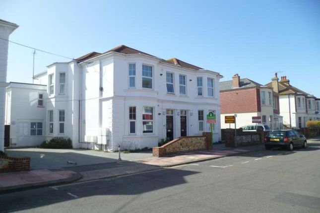 Thumbnail Flat to rent in Madeira Avenue, Worthing