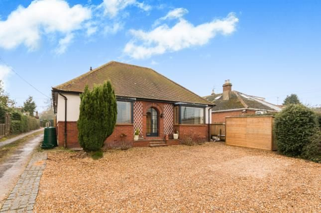 Thumbnail Bungalow for sale in Oakley, Basingstoke, Hampshire