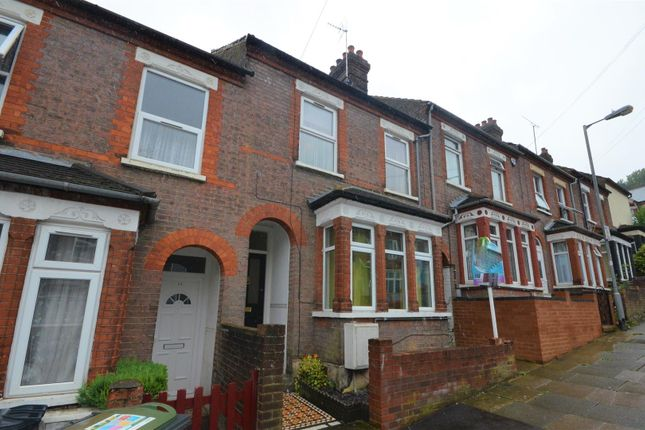 Thumbnail Terraced house to rent in Chiltern Rise, Luton