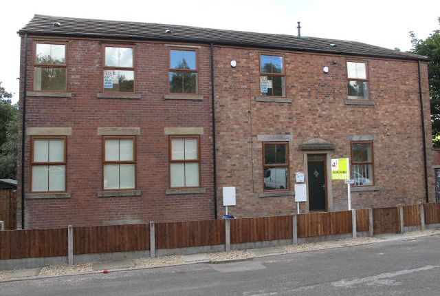 Thumbnail Flat to rent in Milner Street, Whitworth, Rochdale