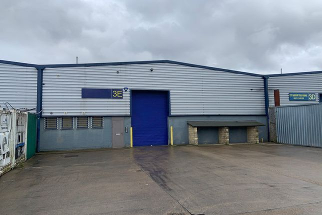 Thumbnail Warehouse to let in Henley Road, London