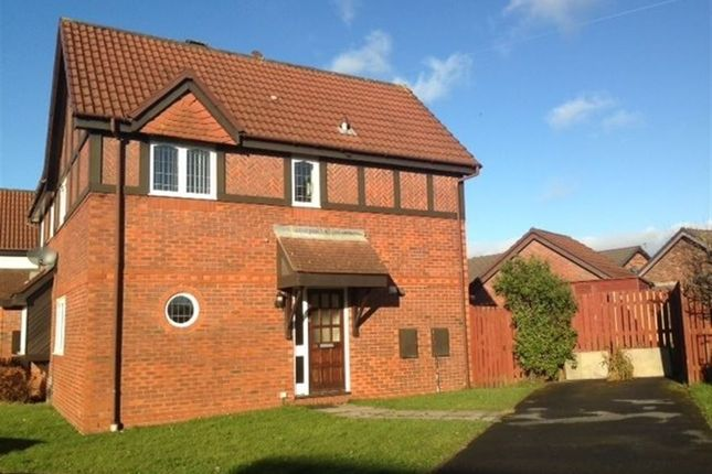 Thumbnail Property to rent in Heol Pentrebach, Queensgate Village, Gorseinon.
