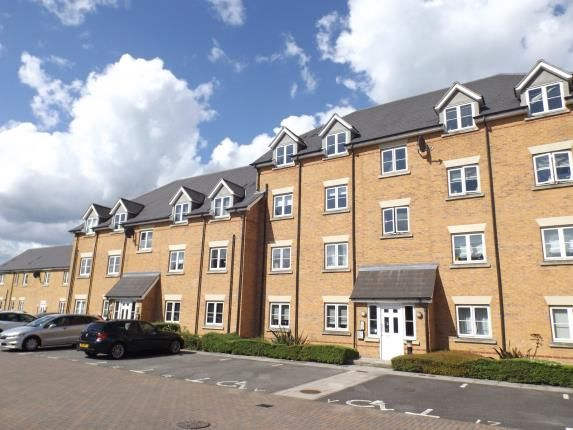 2 bed flat for sale in Chafford Hundred, Grays, Essex