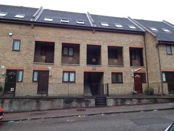 Thumbnail Flat for sale in Merrimans View, Upper Luton Road, Chatham, Kent