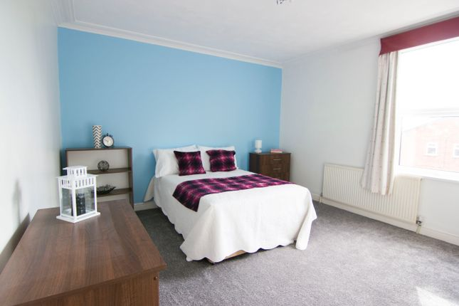 Thumbnail Property to rent in Stanmore Place, Burley, Leeds