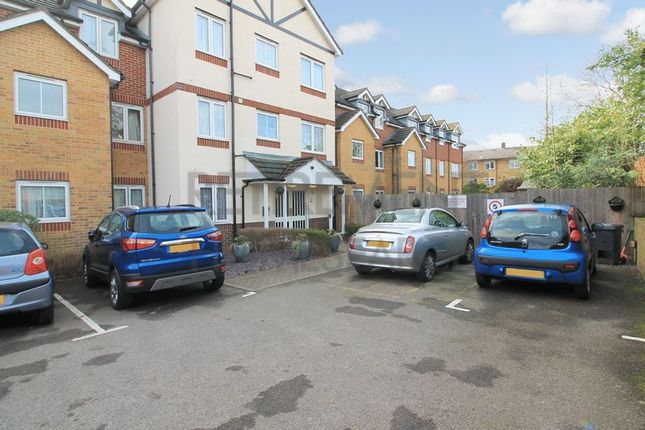 Thumbnail Flat for sale in Kingswood Court, Chingford