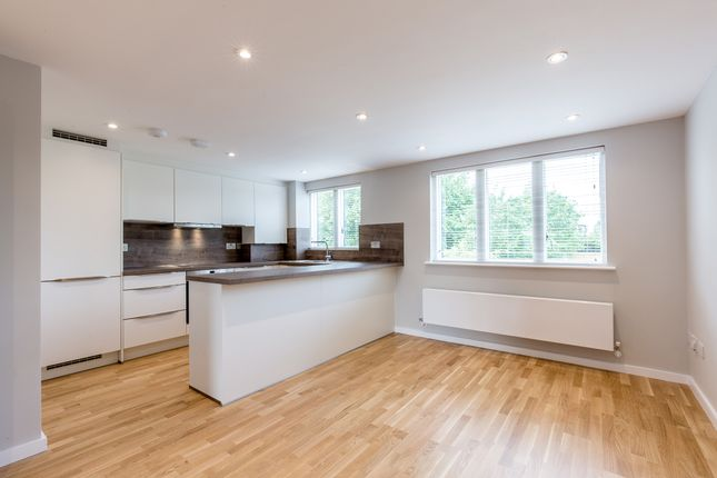 Thumbnail Flat to rent in 5, - 19 Cobbett Close, London