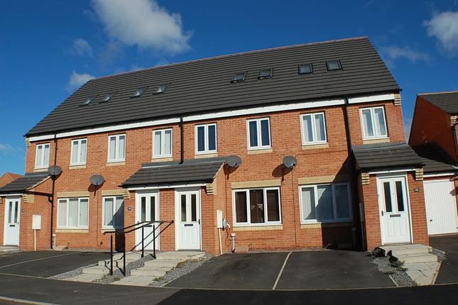 Thumbnail Terraced house to rent in Horsley View, Wallsend
