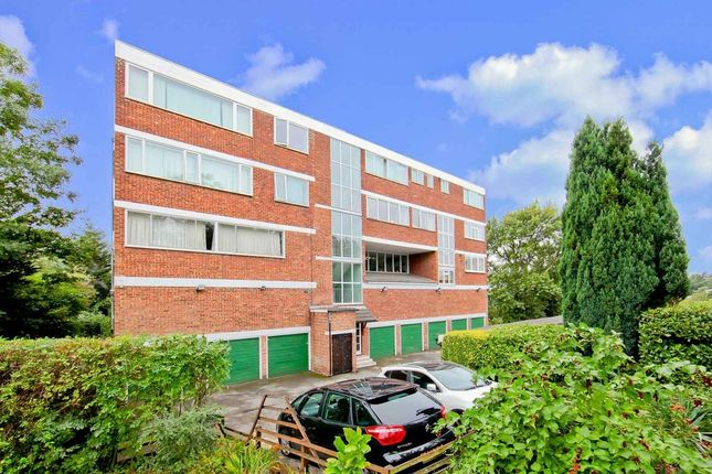 2 bed flat for sale in Spurgeon Road, London