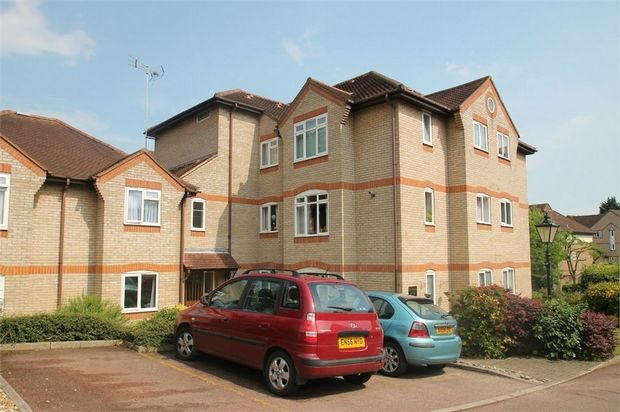 Thumbnail Flat for sale in The Dell, Priory St, Colchester, Essex