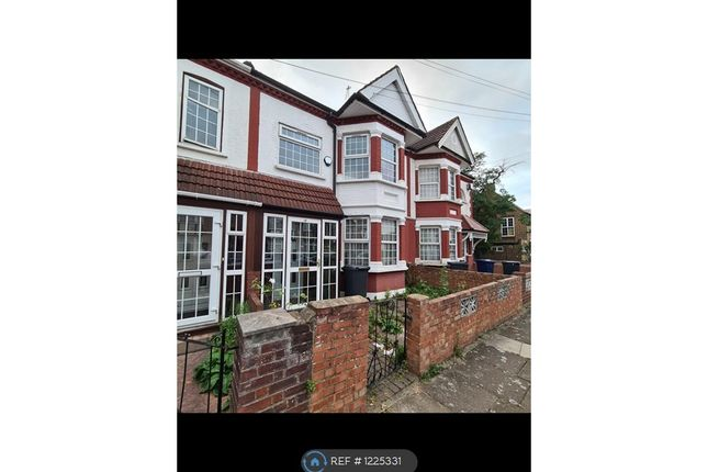 Thumbnail Terraced house to rent in Meadow Road, Southall