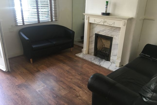 2 bed terraced house to rent in Hounslow East, Hounslow East