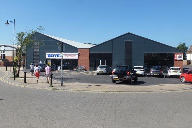 Thumbnail Retail premises to let in Unit 2, Crown House, Heaton Street, Gainsborough, Lincolnshire