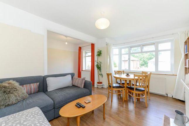 Maisonette to rent in Cavendish Avenue, London