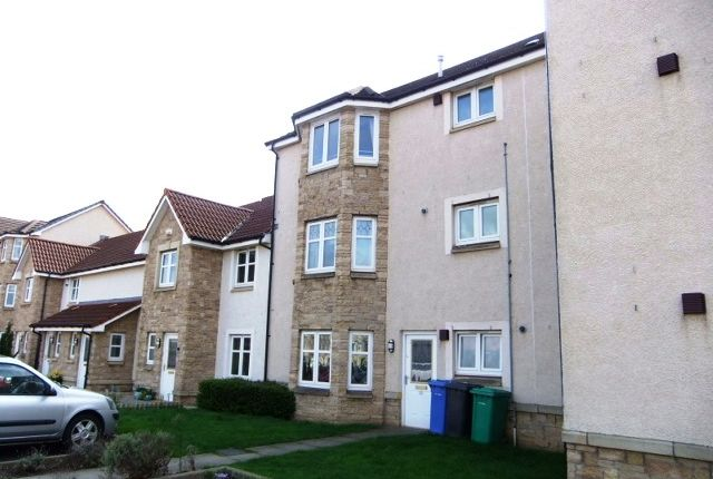 Thumbnail Flat to rent in Peasehill Road, Rosyth, Fife