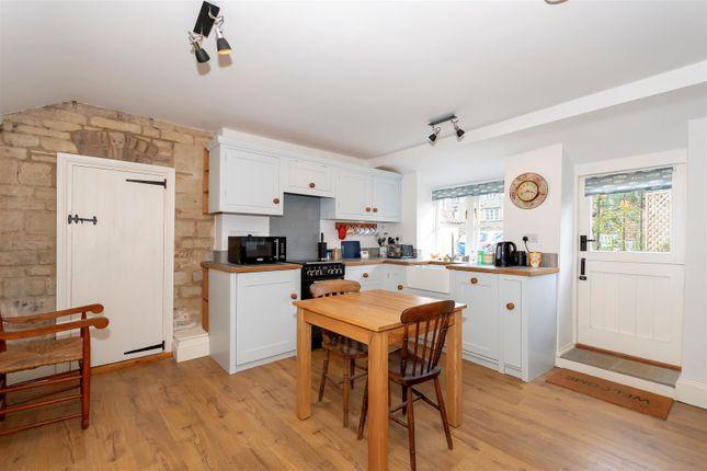 Hc - Kitchen of Main Street, Greetham, Oakham LE15