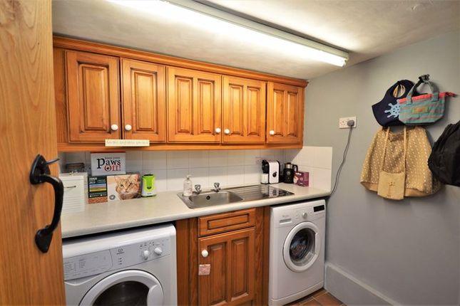 Utility Room of Lower Green, Westcott, Aylesbury HP18